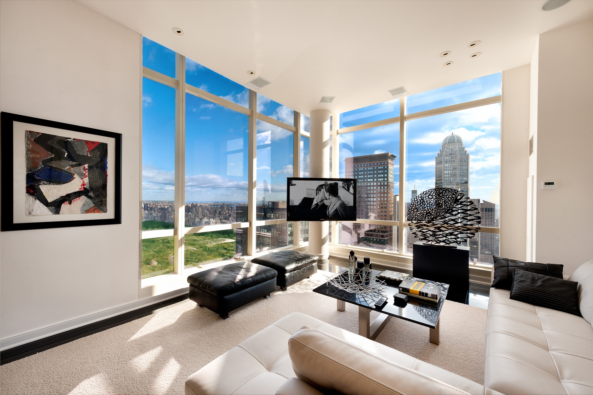 Central park 39 s penthouse a 3 bedroom 3 bathroom on top for Penthouse apartment for sale